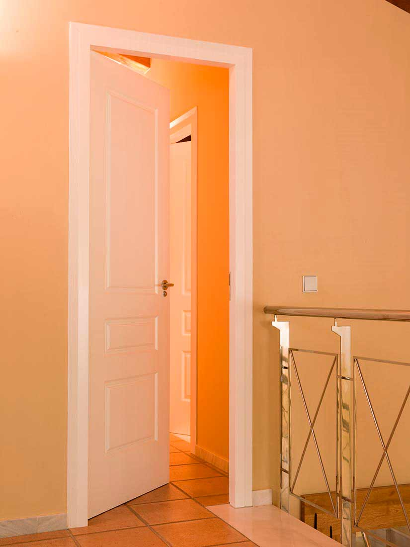 Puerta para interior lacada en blanco