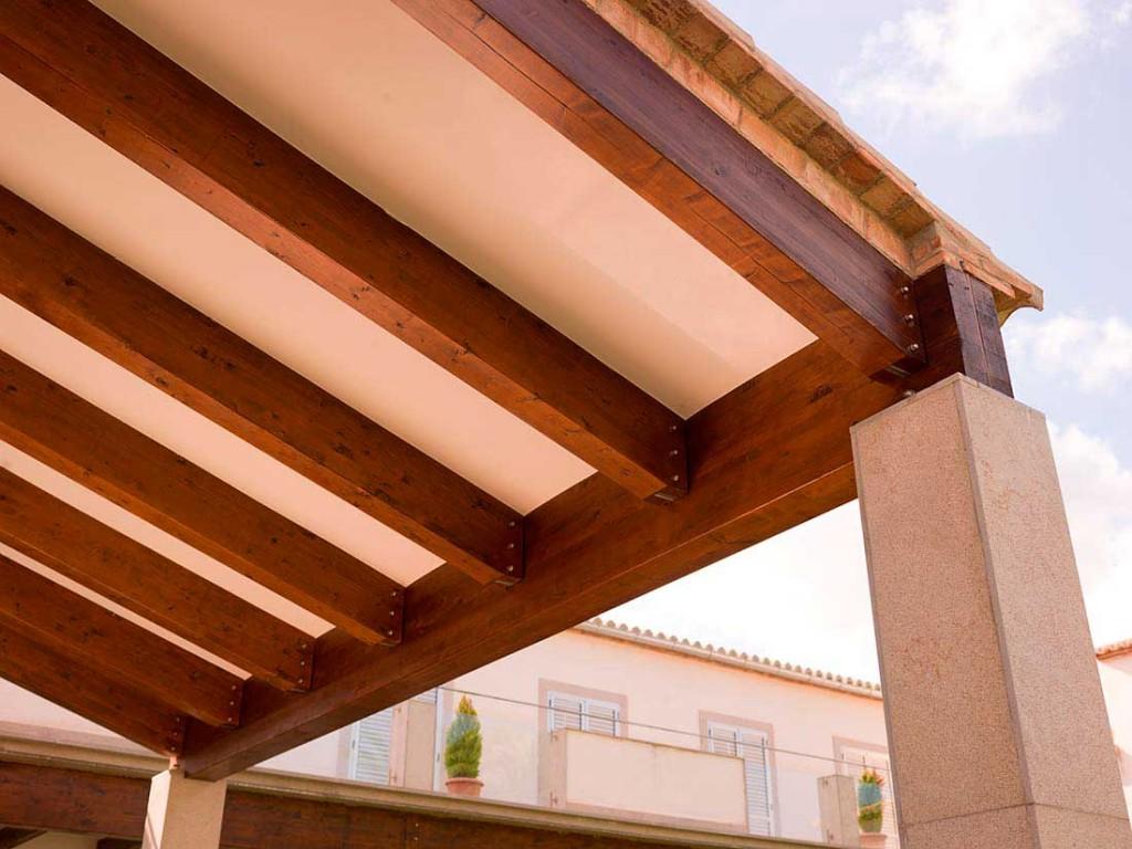 Techos de madera selecci n de tejados y cerramiento para for Crear una cubierta de madera