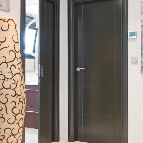 Puertas de paso interior lacada en gris