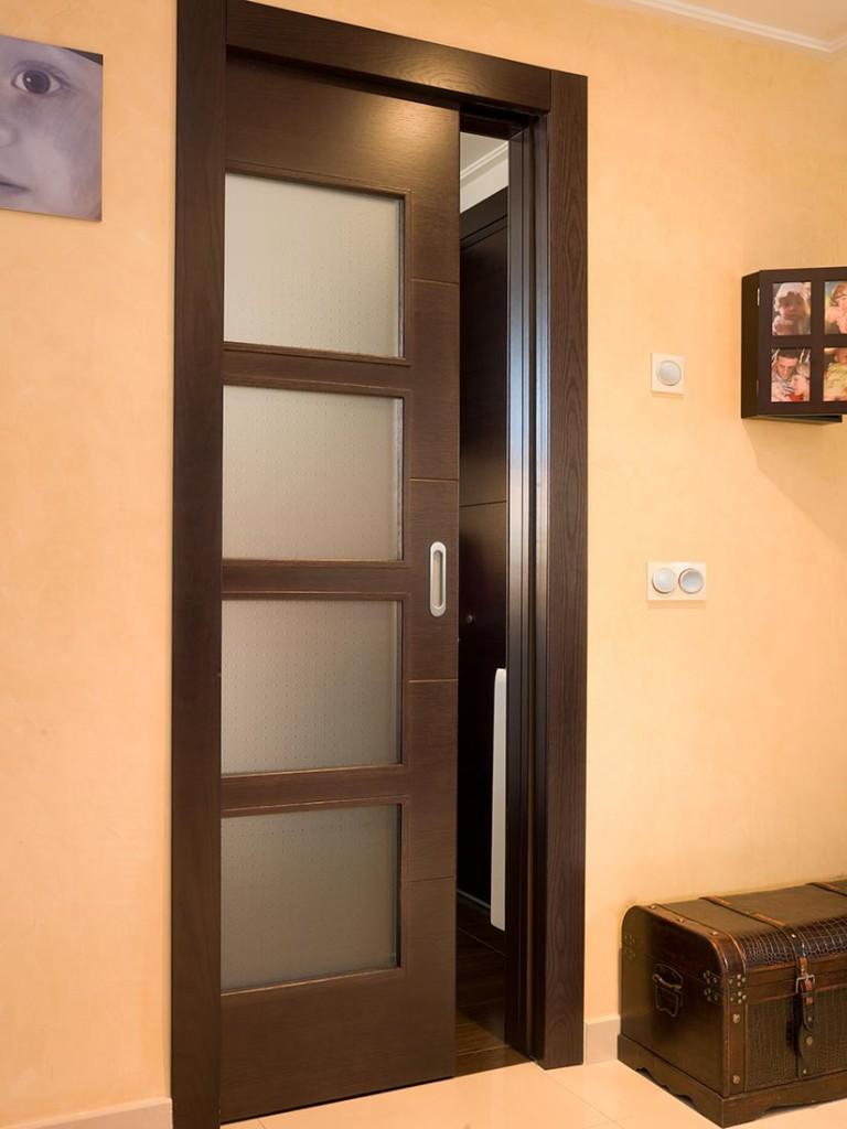 Puertas de interior en madera puertas de madera lacadas for Puertas de madera interiores rusticas