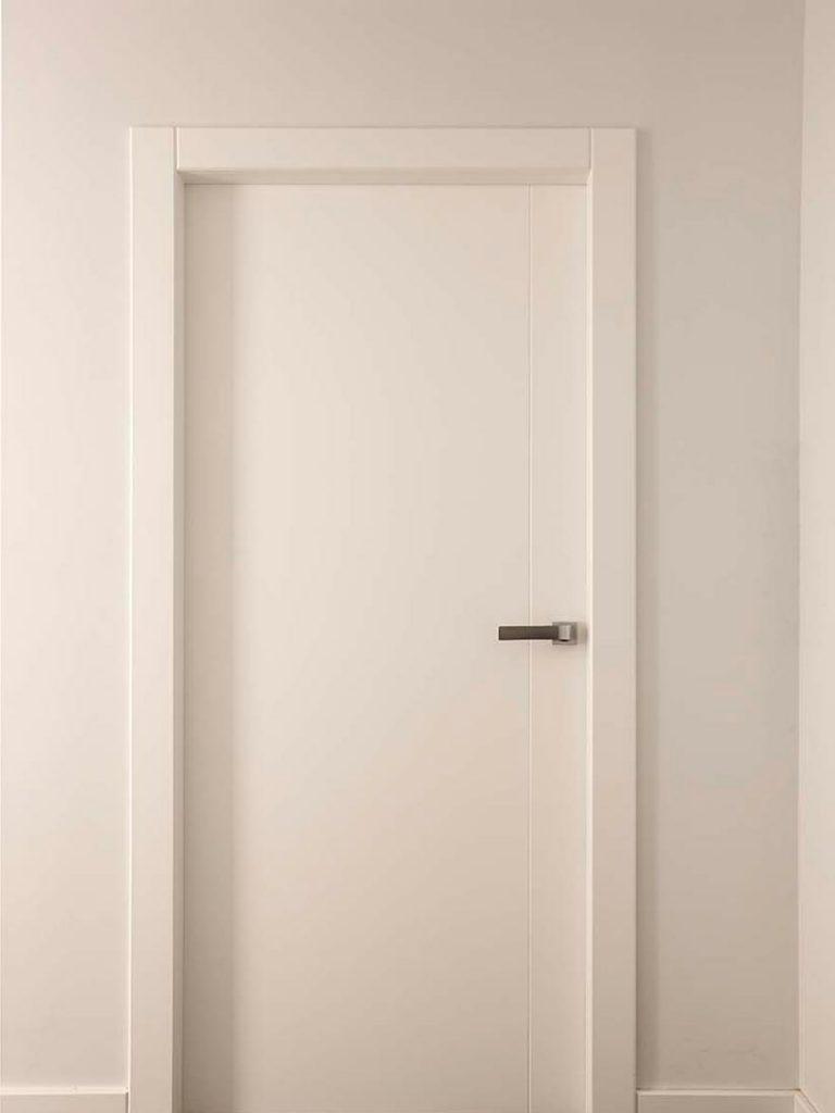 Puertas de interior en madera puertas de madera lacadas - Puertas cristal interior ...