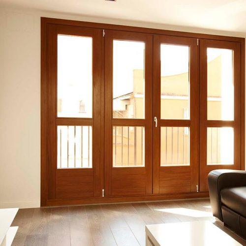 Vantanas de madera para exterior en balconera