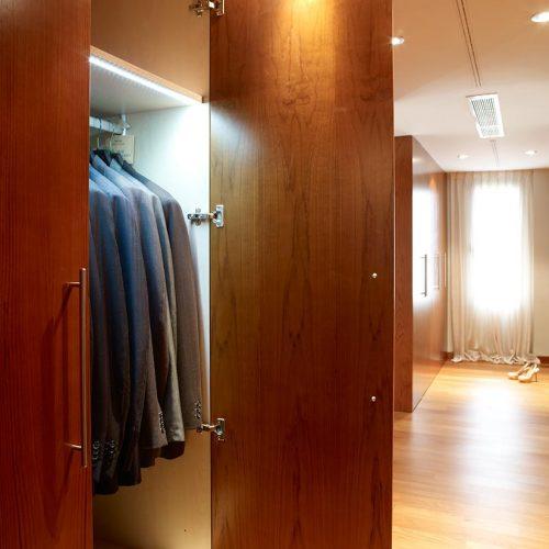 Interior armarios a medida en vestidor