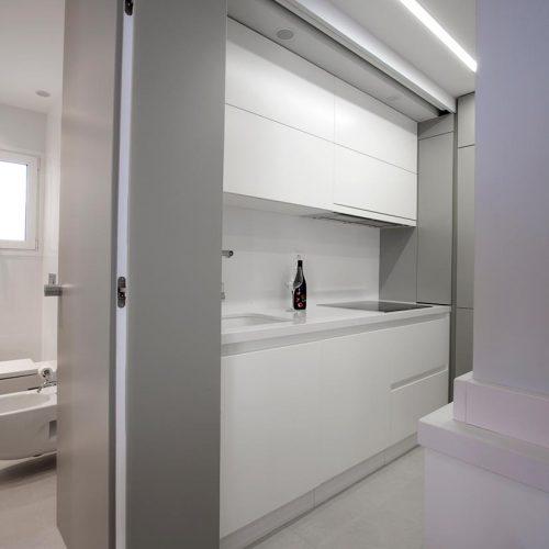 cocina y puerta de bano p12
