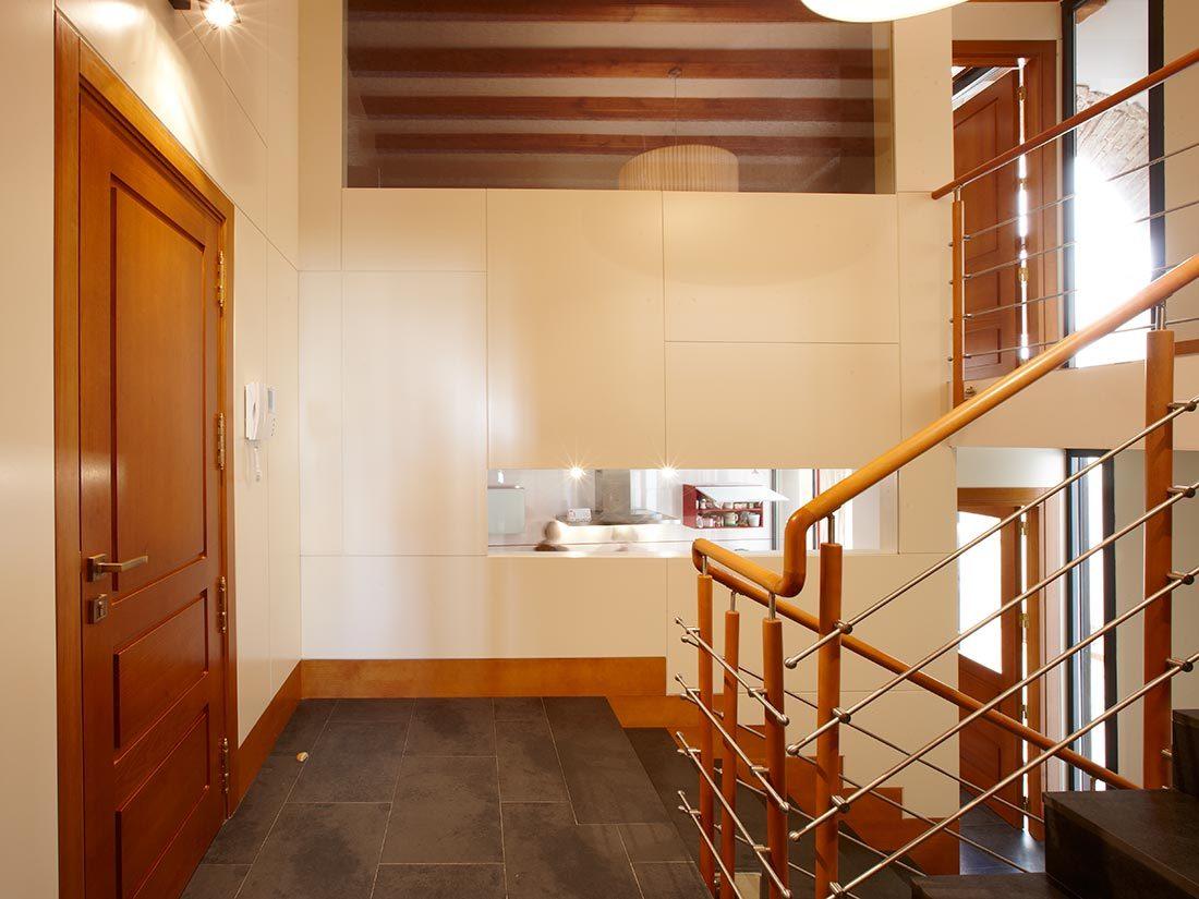 Puerta de acceso al interior