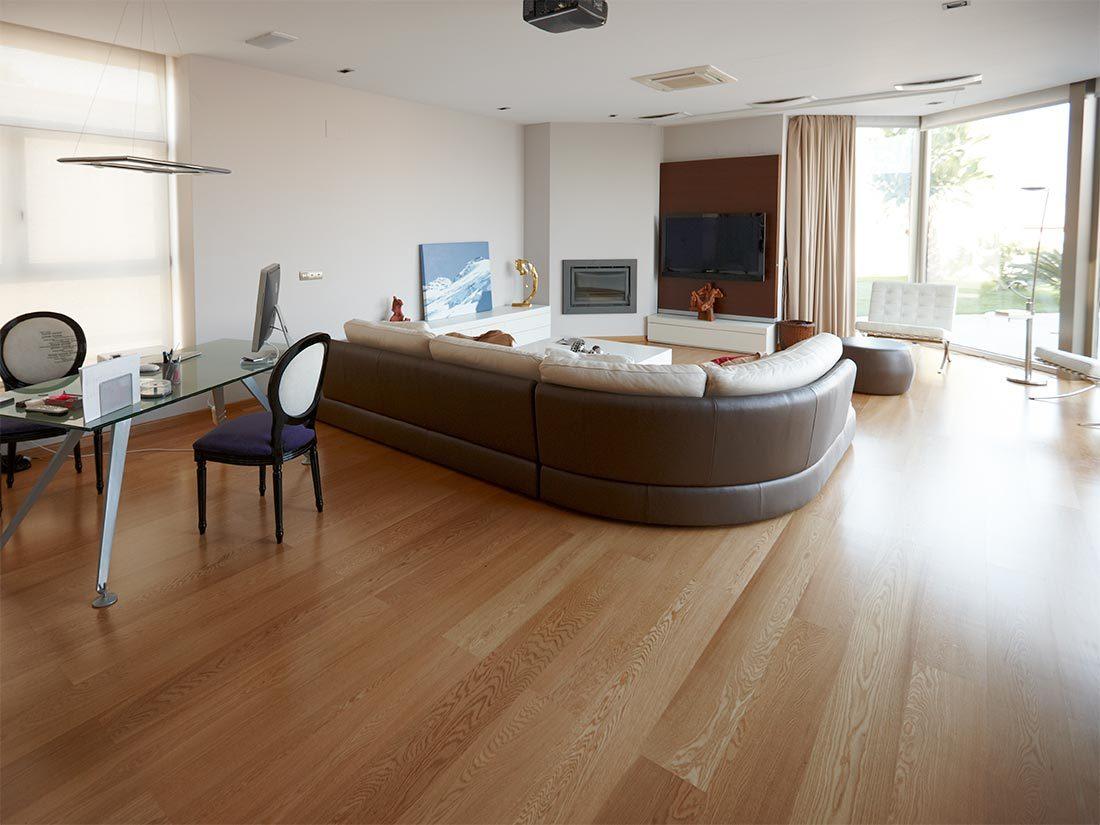 Suelos de madera interior en roble natural
