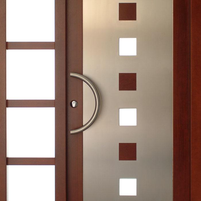 Opción decorativa con acero, madera y cristal