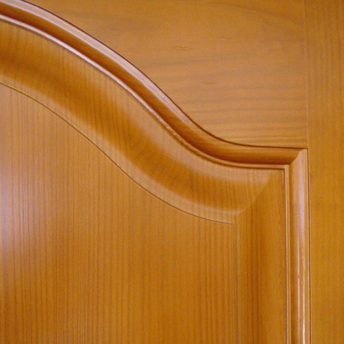 Tablero entrecallado en puerta madera maciza