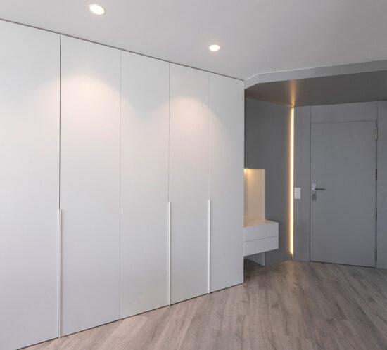 armarios lacados en gris claro