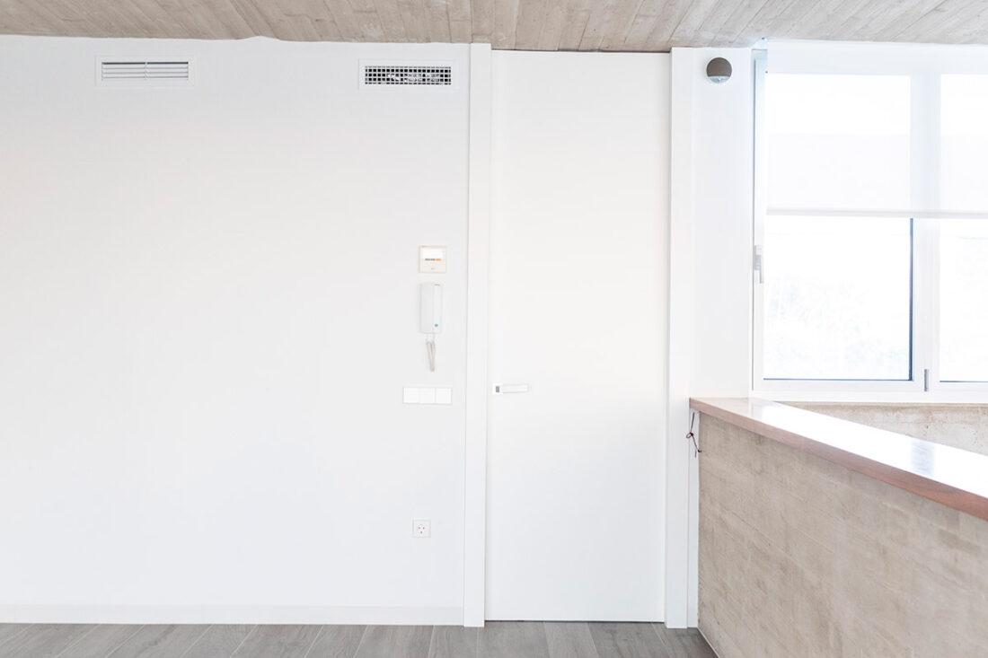 puerta de paso lacada en blanco