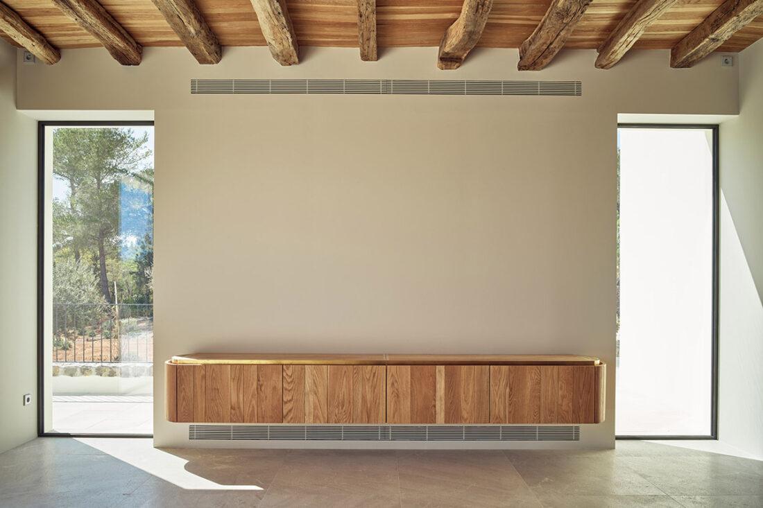 Mueble colgante en roble